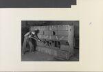 GFA 11/451193: Gussputzer; Tischbett für Bohrwerk