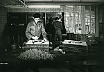 GFA 12/631891: Founder apprentices removing forms from their models