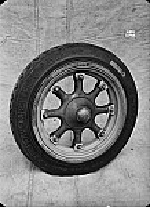 GFA 16/44953: Horse carriage wheel 19'' with rim 36219