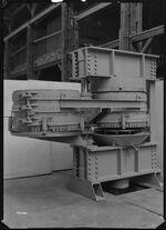 GFA 17/46400: Pressing machinery, swivelling basket press