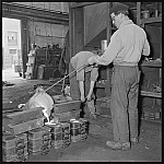 GFA 17/550710.6: Cast apprentice at work
