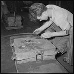 GFA 17/550710.9: Cast apprentice at work