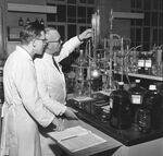 GFA 17/571508.5: Reportage: education of the laboratory apprentice