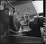 GFA 17/650237.3: People and labor in the machine plant