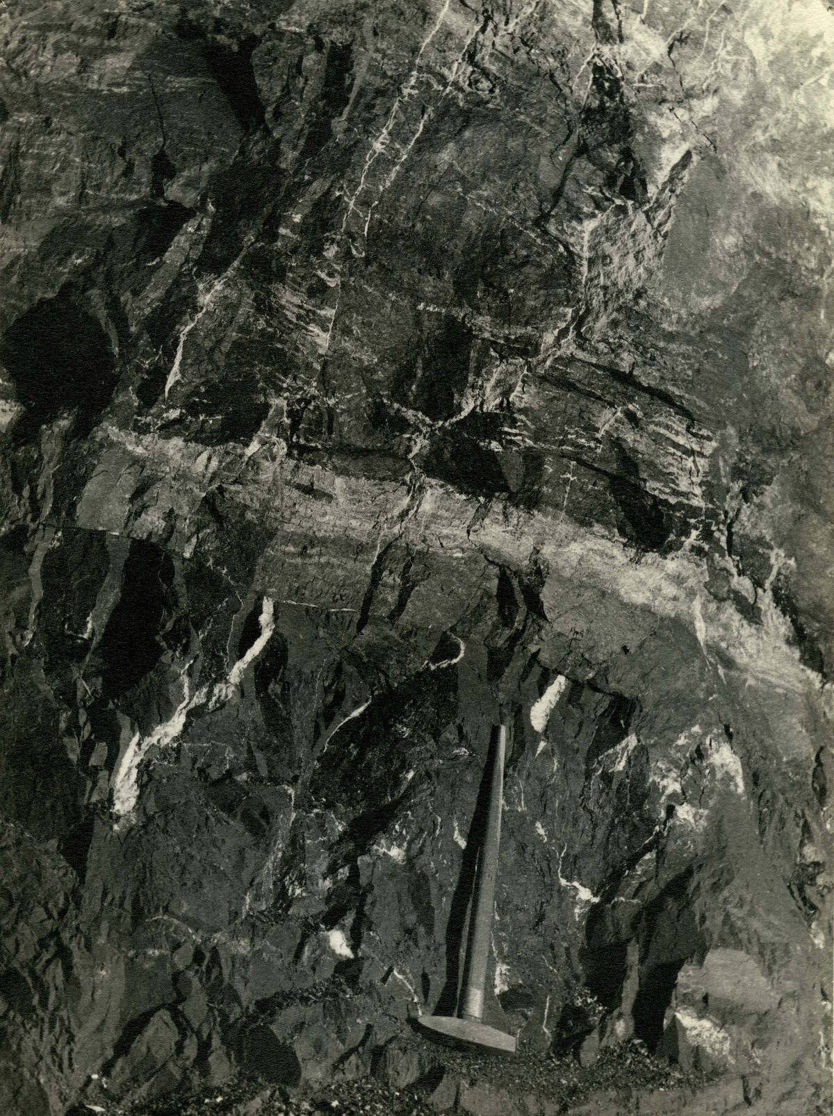 EBA 2/321.27: Gonzen, Bergwerksaufnahmen unter Tage