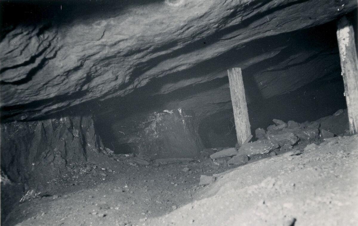 EBA 2/321.28: Gonzen, Bergwerksaufnahmen unter Tage