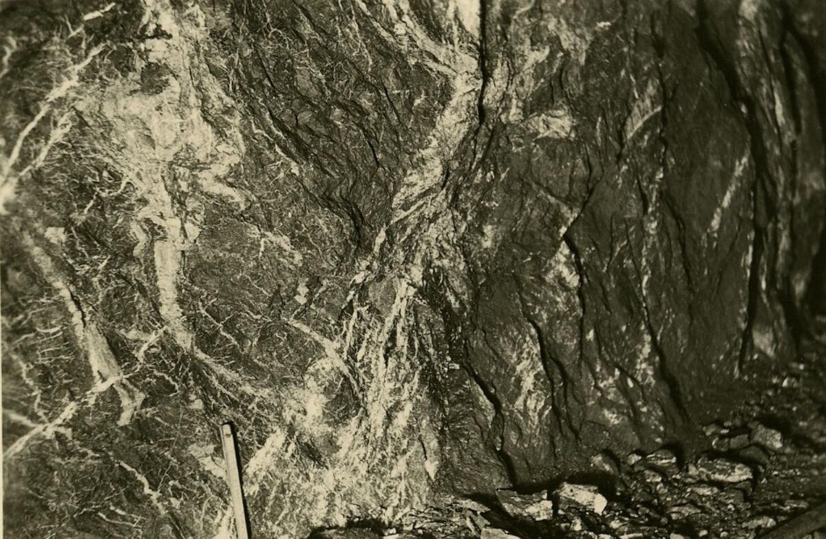 EBA 2/321.35: Gonzen, Bergwerksaufnahmen unter Tage