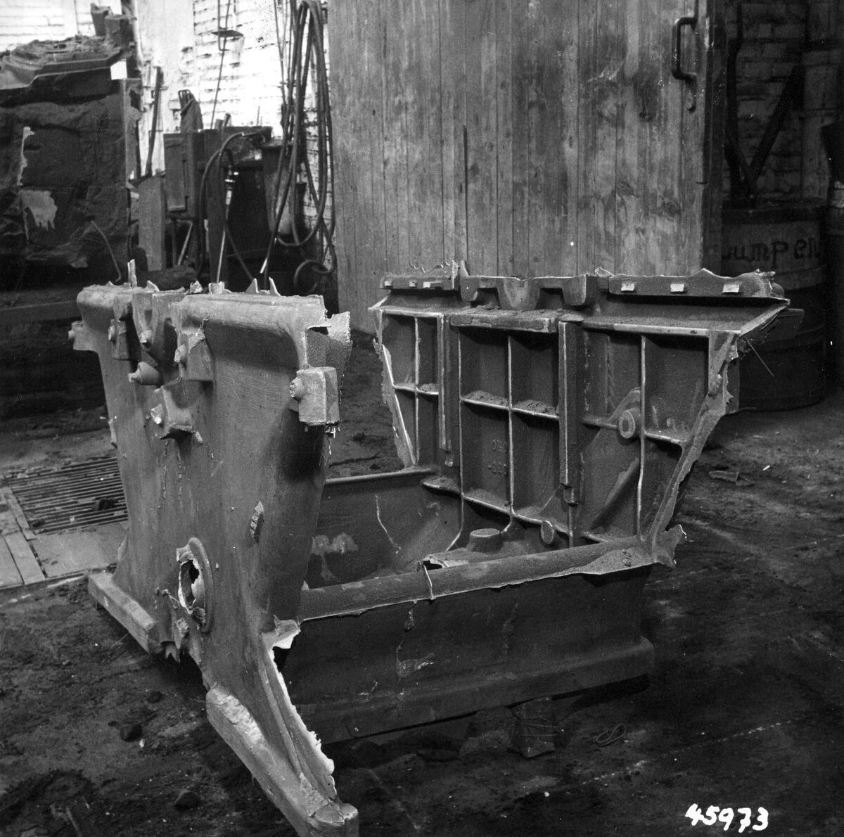 GFA 12/45973: Reportage casting process in malleable casting