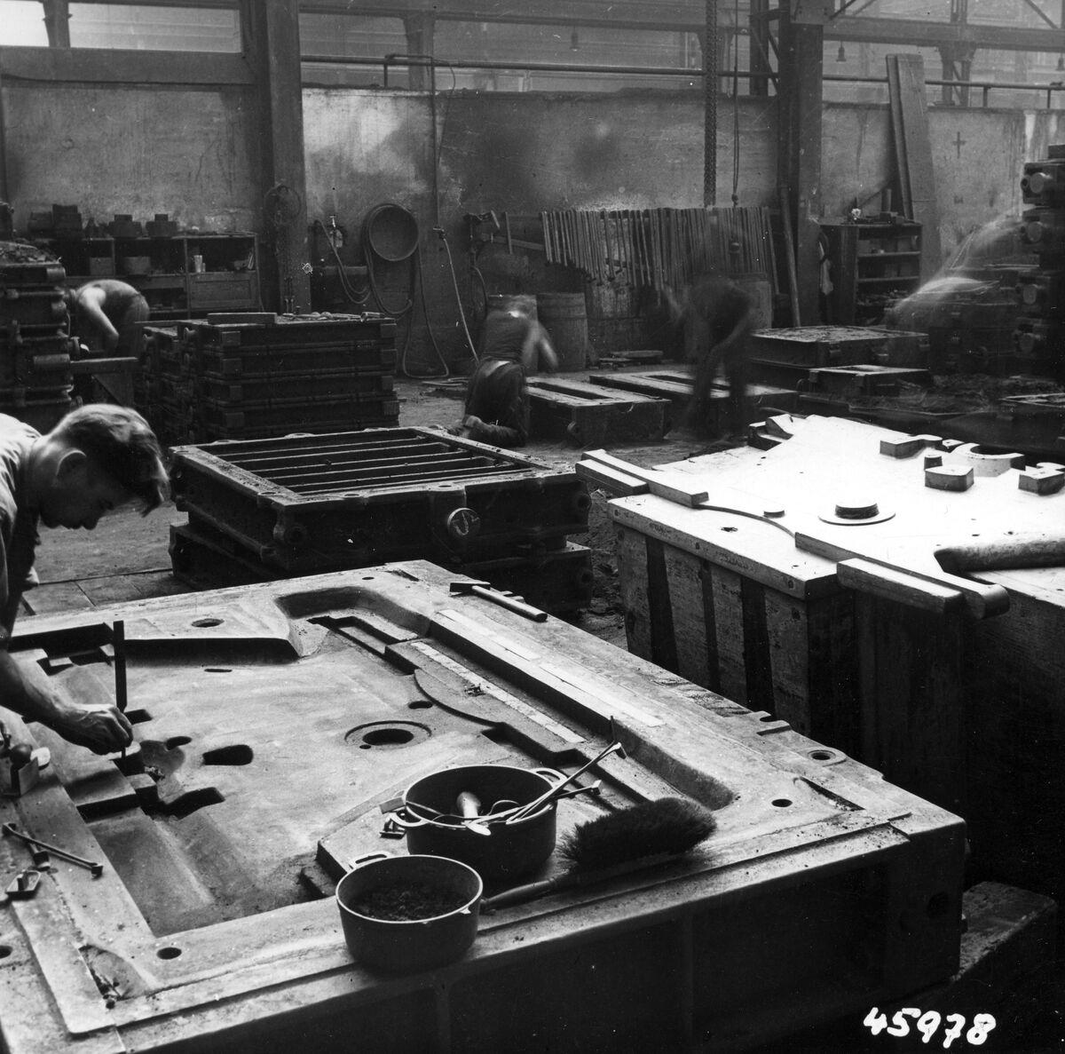 GFA 12/45978: Reportage casting process in malleable casting