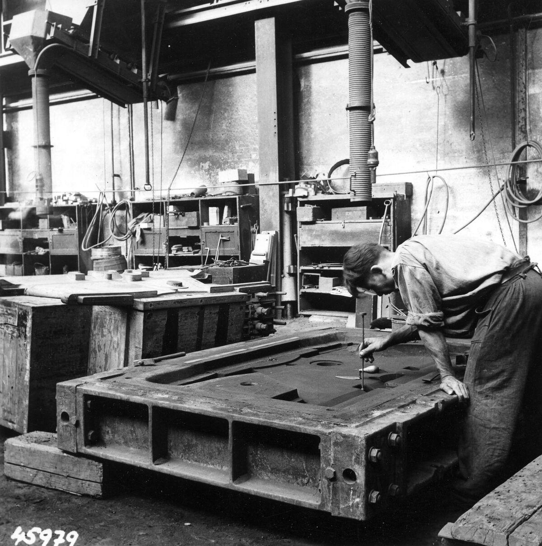 GFA 12/45979: Reportage casting process in malleable casting