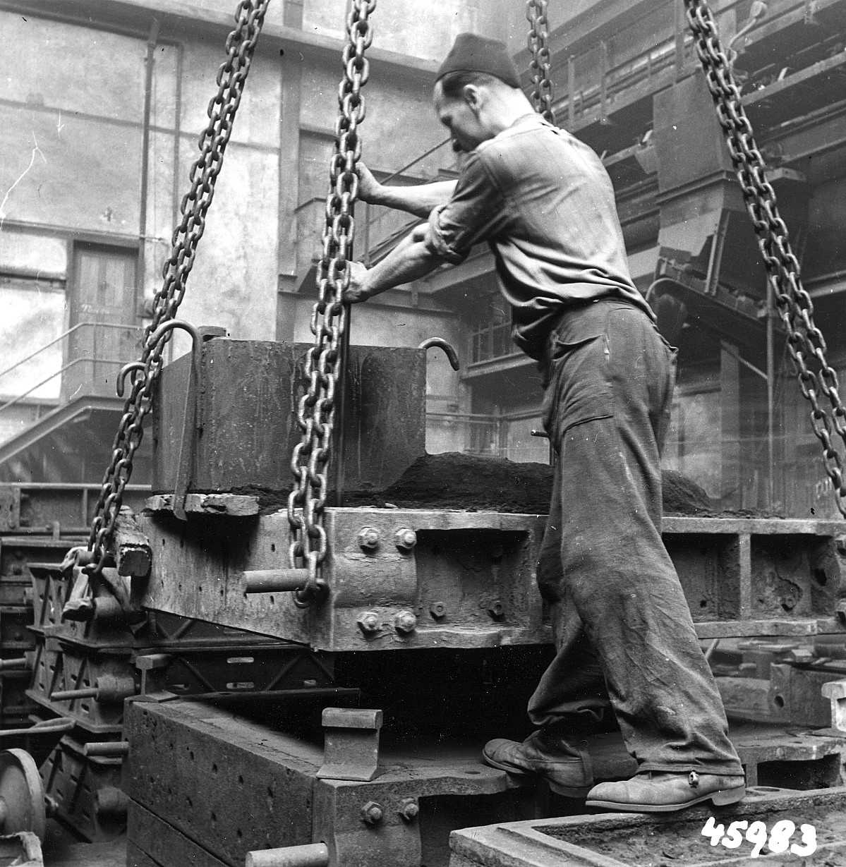 GFA 12/45983: Reportage casting process in malleable casting