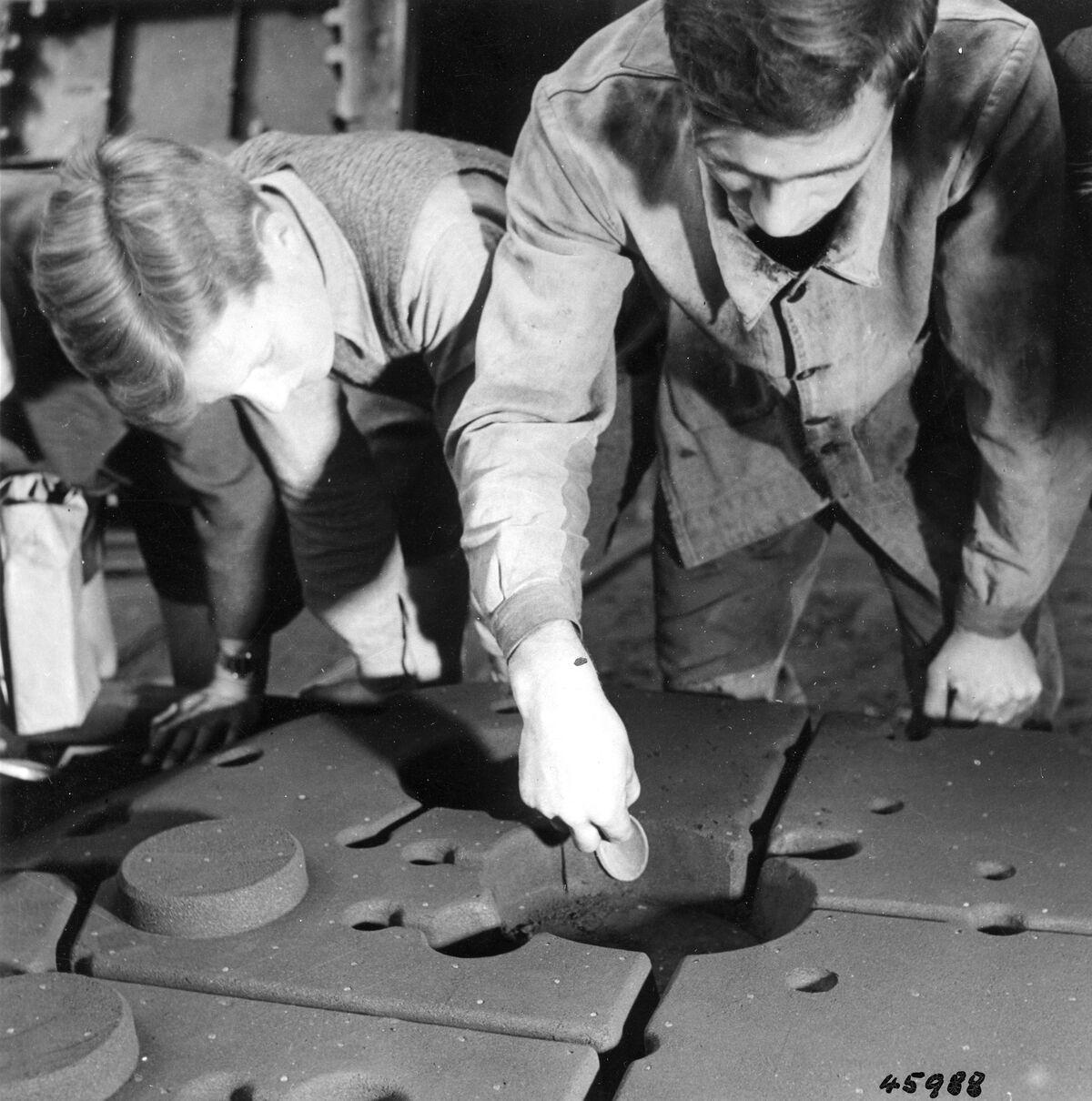 GFA 12/45988: Reportage casting process in malleable casting