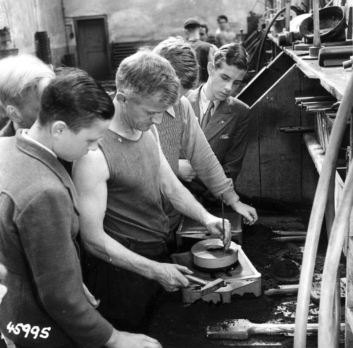 GFA 12/45995: Reportage casting process in malleable casting