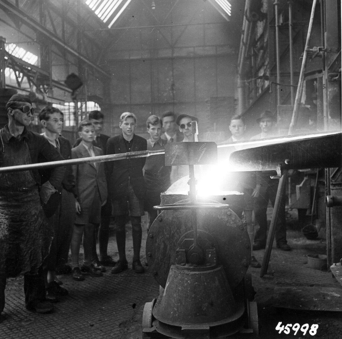 GFA 12/45998: Reportage casting process in malleable casting