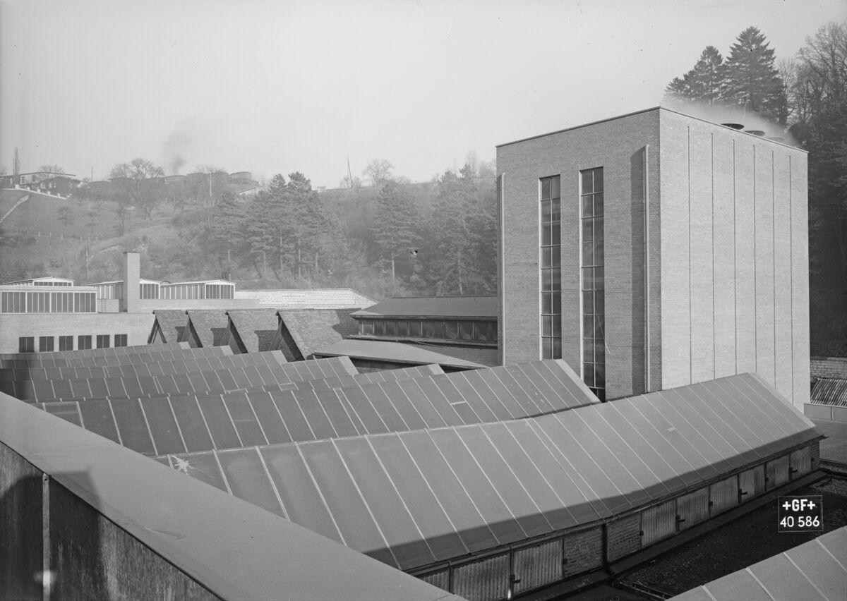 GFA 16/40586: New roof construction