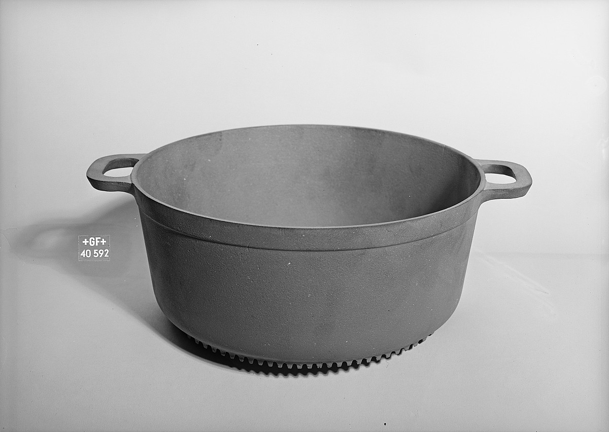 GFA 16/40592: Cooking pot with ribbed bottom