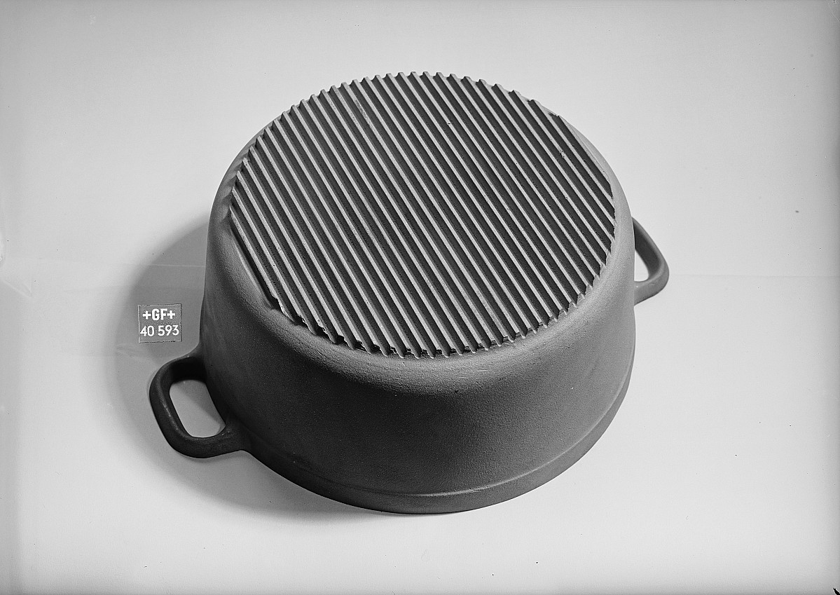 GFA 16/40593: Cooking pot with ribbed bottom