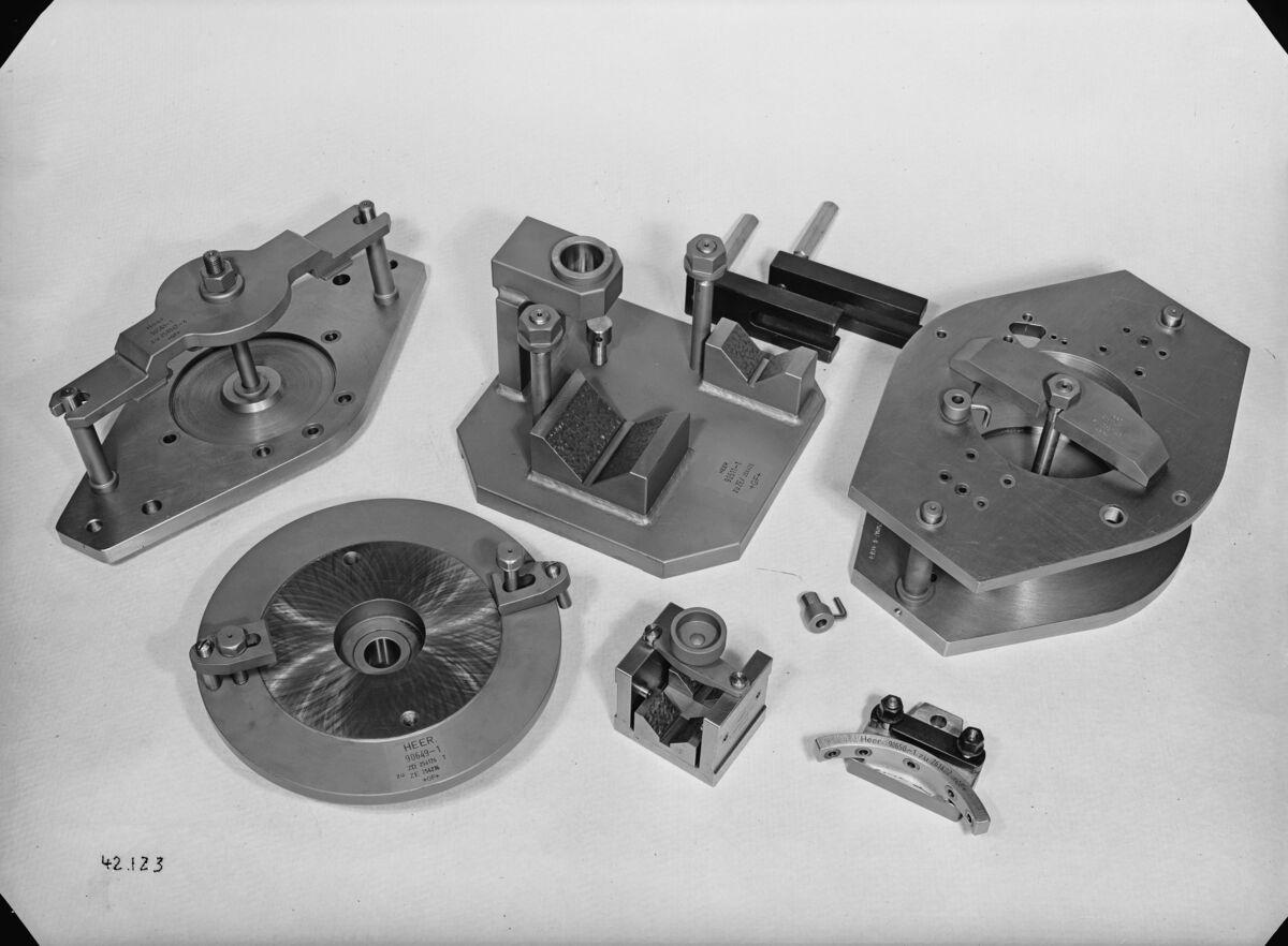 GFA 16/42123: Miscellaneous gauges