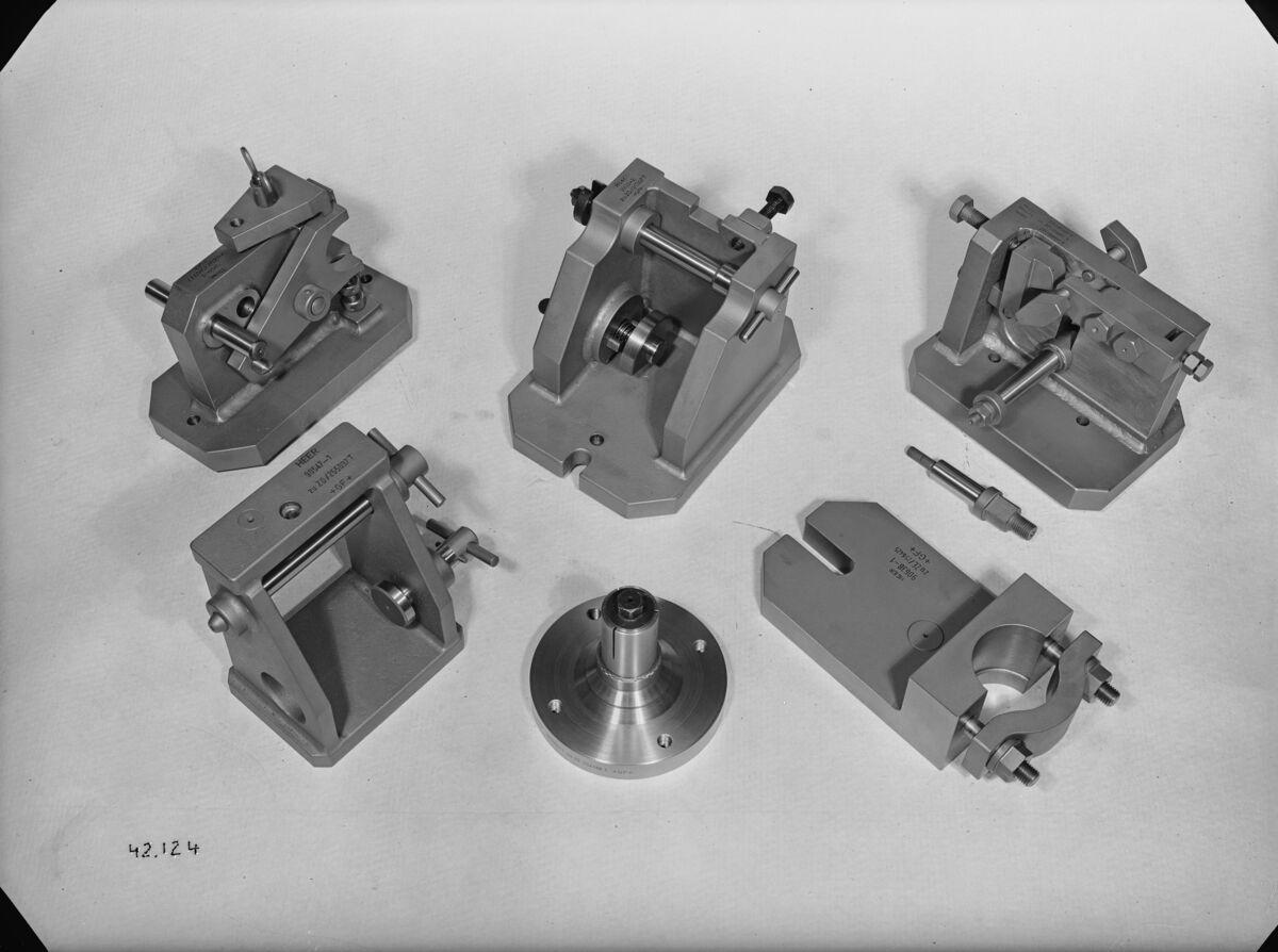 GFA 16/42124: Miscellaneous gauges