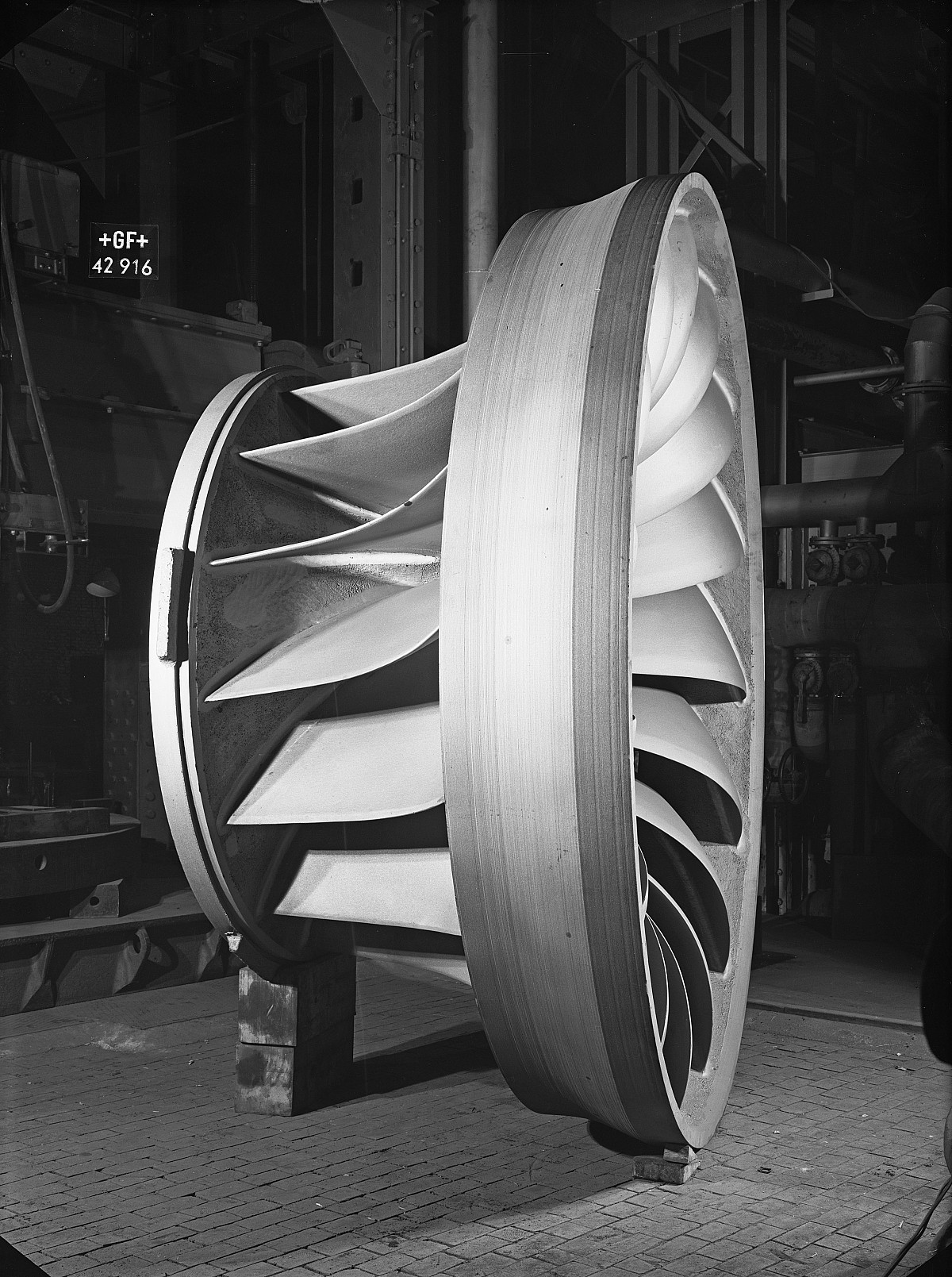 GFA 16/42916: Water turbine wheel, Escher Wyss