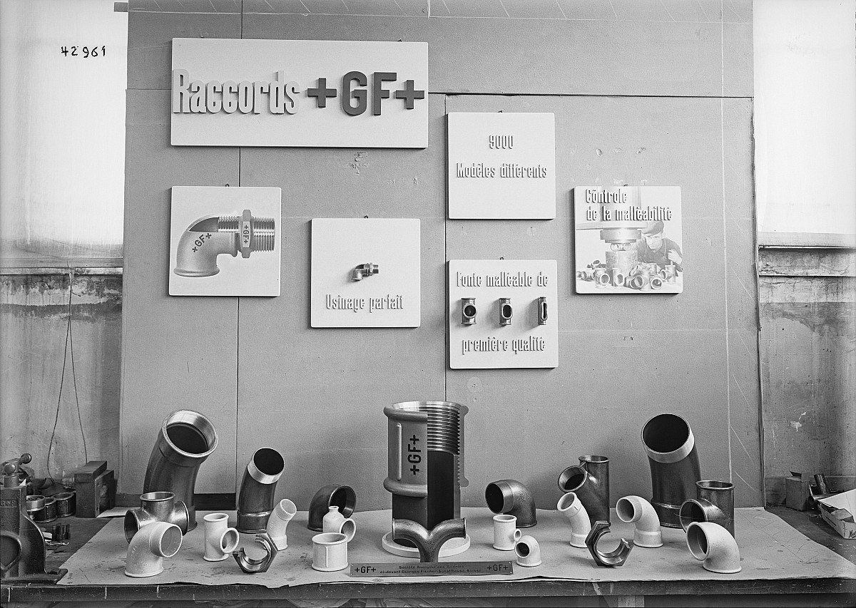 GFA 16/42961: Exhibtion showcase
