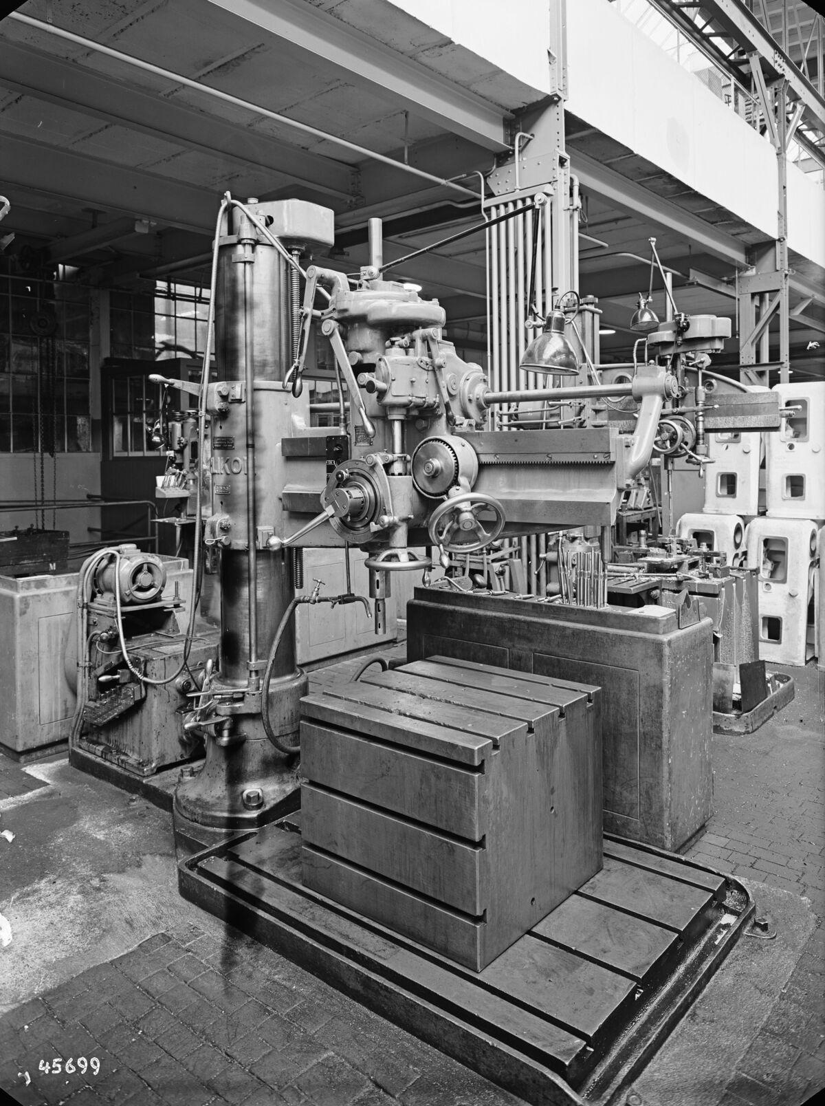 GFA 16/45699: Vertical boring mill