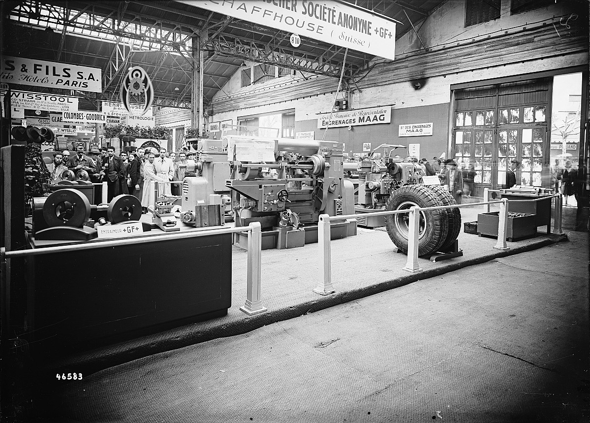 GFA 16/46583: GF stand with machine tools at Foire de Paris
