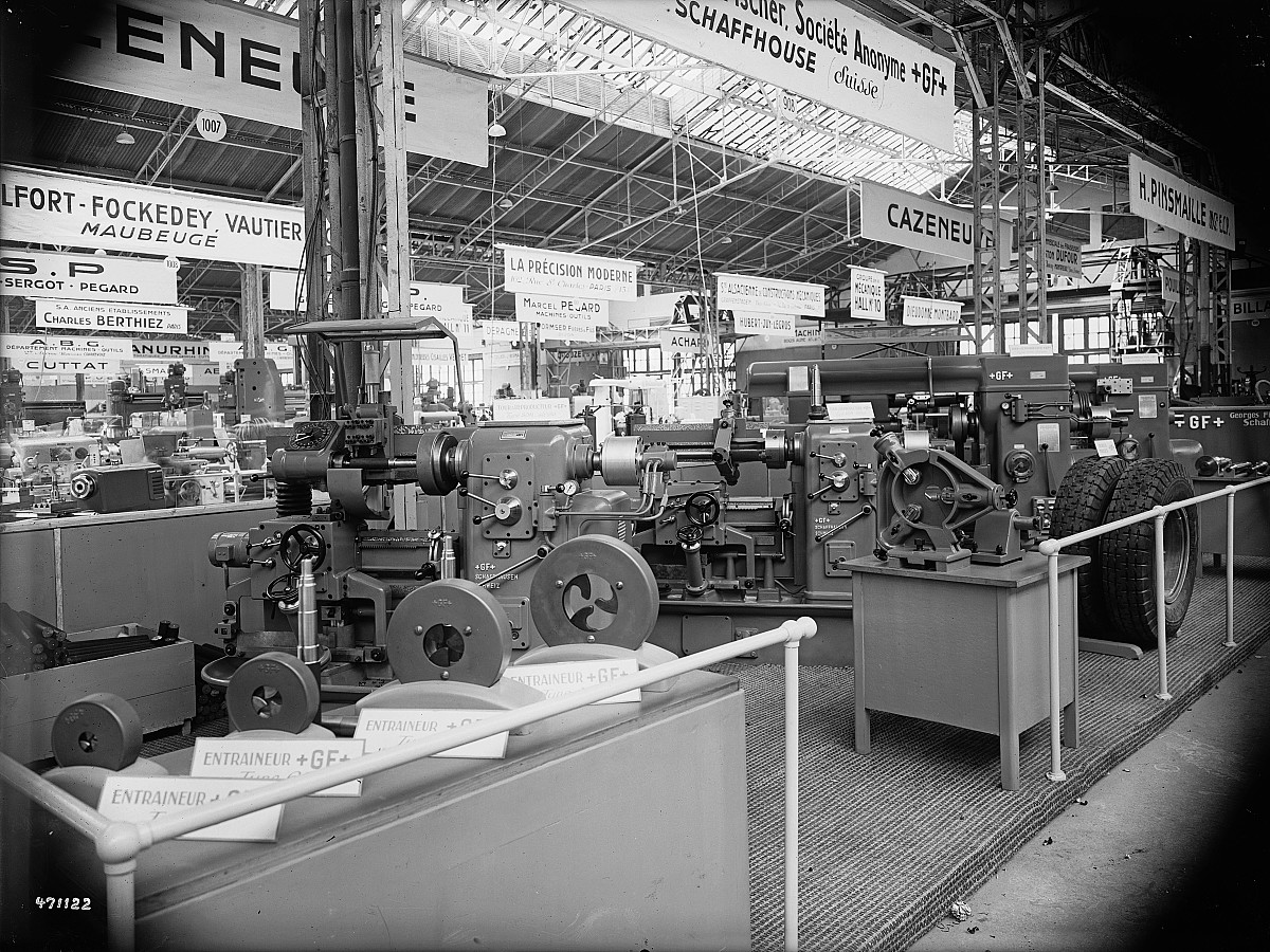 GFA 16/471122: Exhibition in Paris, machine tools