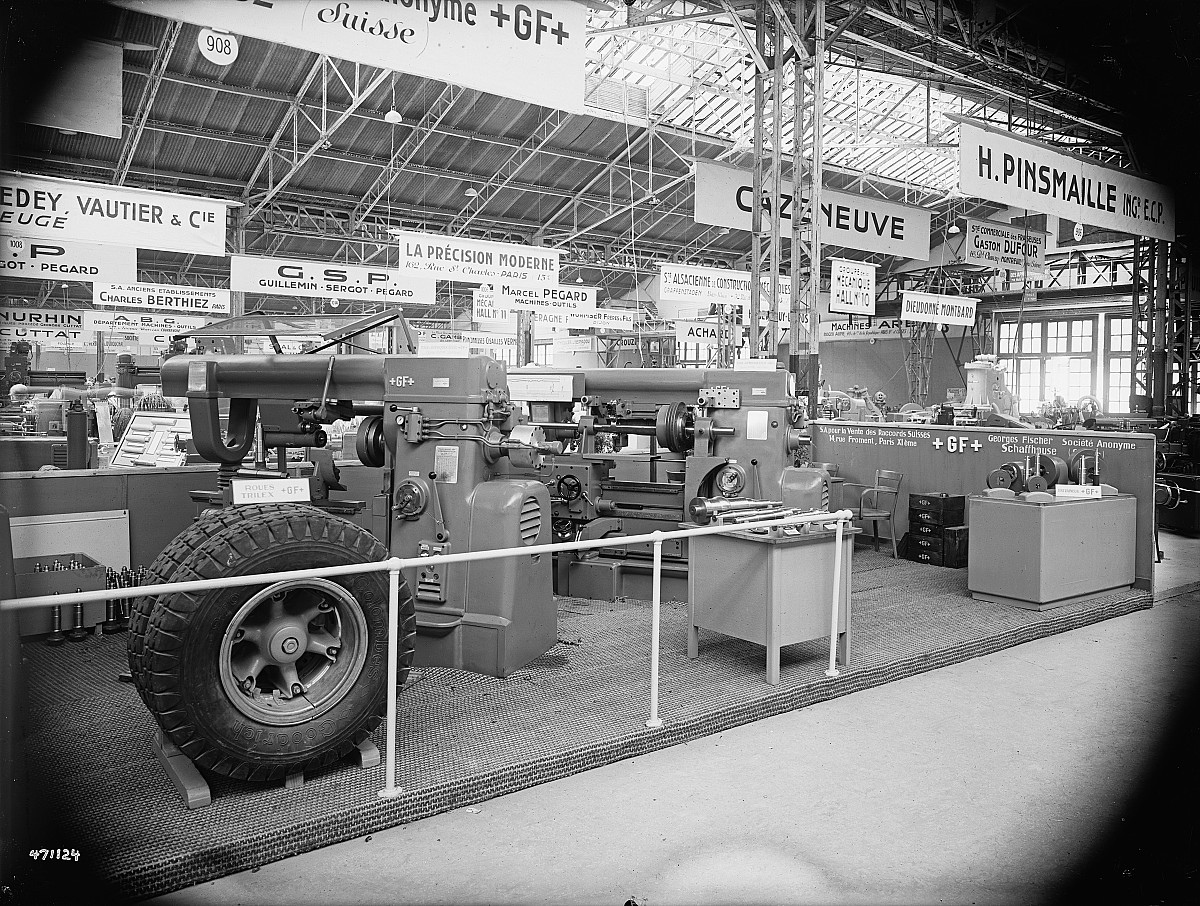 GFA 16/471124: Exhibition in Paris, machine tools