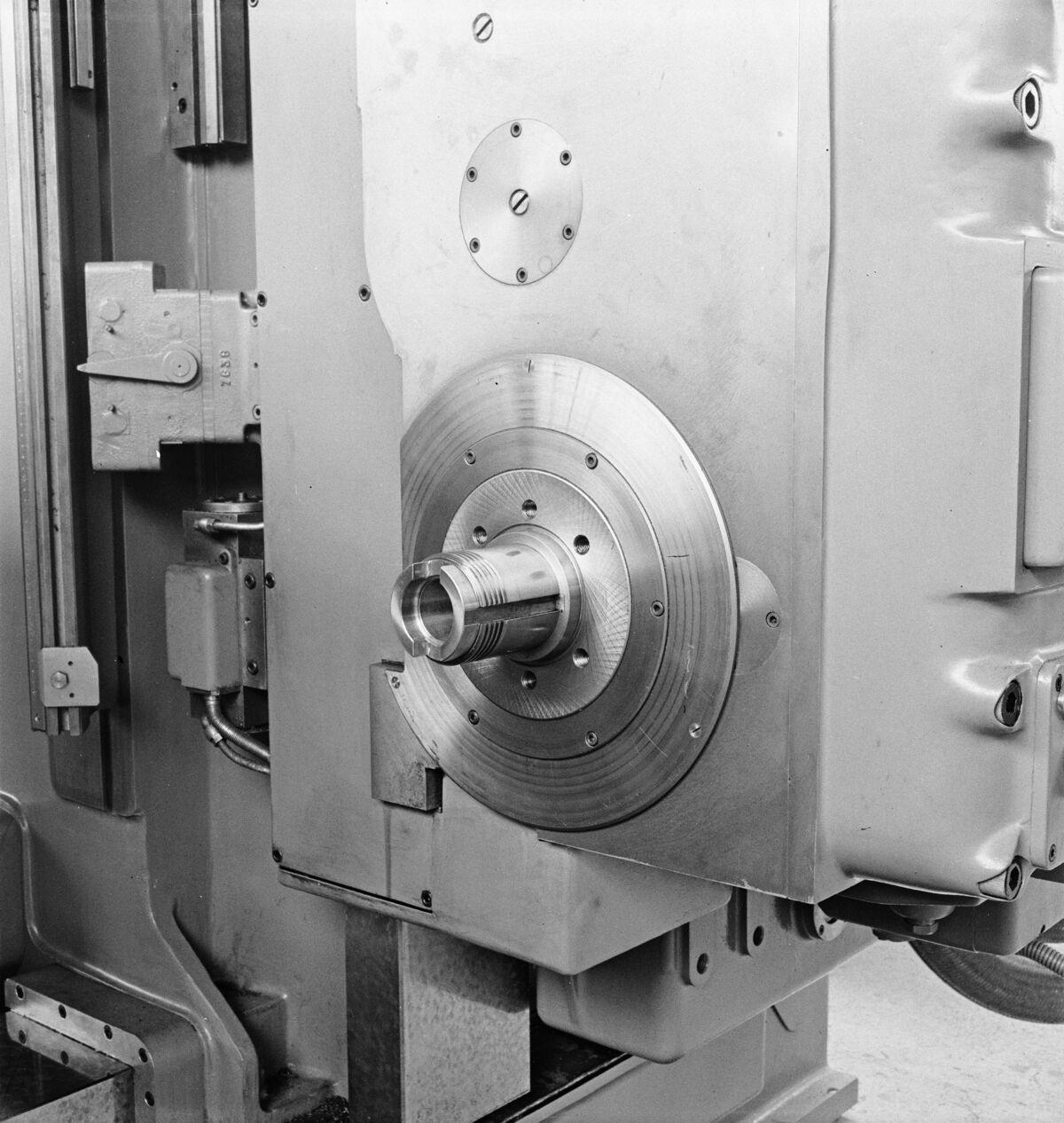 """GFA 16/48455: MUBA Basel (sample fair """"Mustermesse""""), boring mill CWB"""