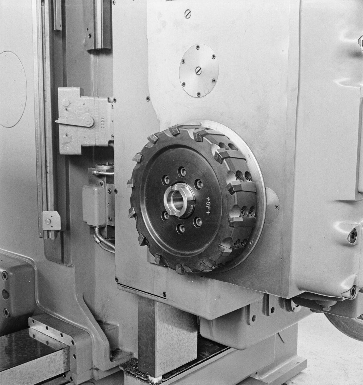 """GFA 16/48458: MUBA Basel (sample fair """"Mustermesse""""), boring mill CWB"""