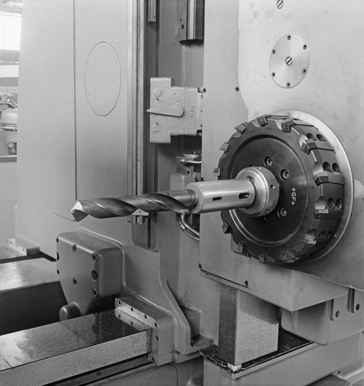 """GFA 16/48459: MUBA Basel (sample fair """"Mustermesse""""), boring mill CWB"""