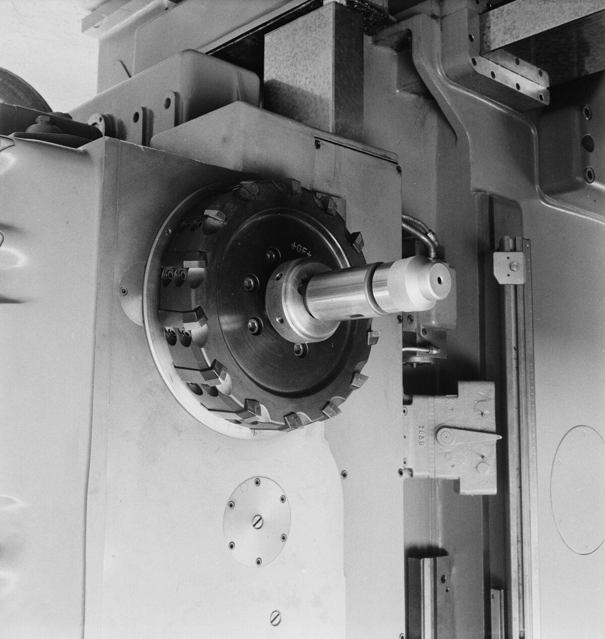 """GFA 16/48460: MUBA Basel (sample fair """"Mustermesse""""), boring mill CWB"""