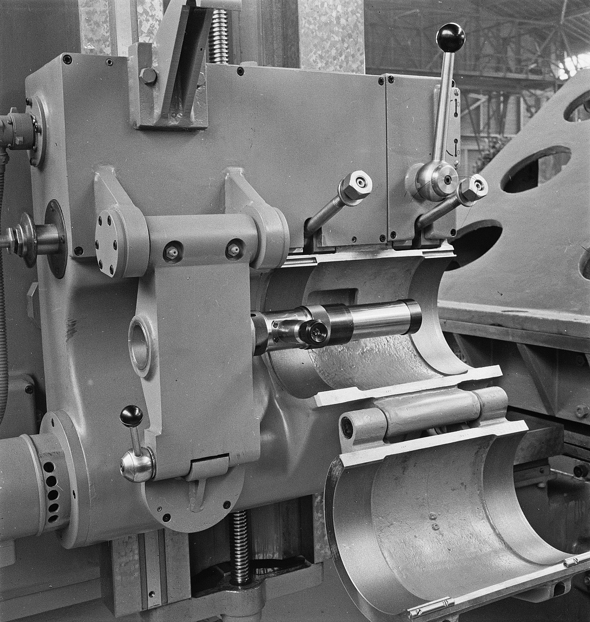 """GFA 16/48461: MUBA Basel (sample fair """"Mustermesse""""), boring mill CWB"""