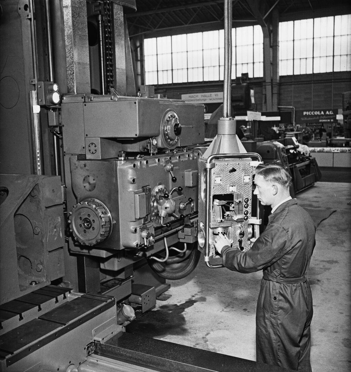 """GFA 16/48463: MUBA Basel (sample fair """"Mustermesse""""), boring mill CWB"""