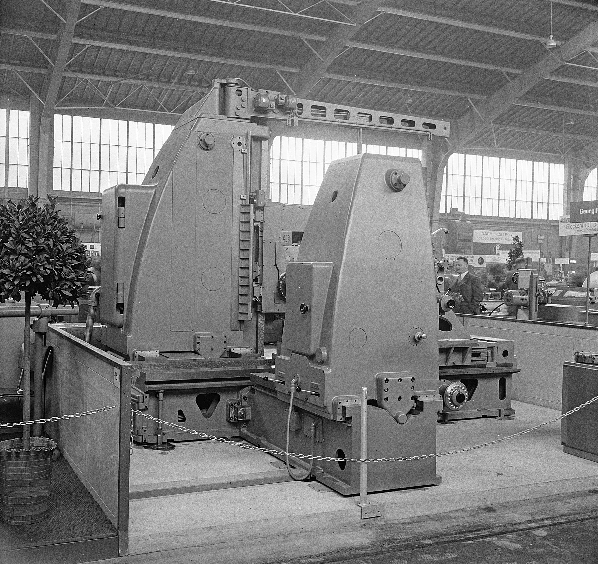 """GFA 16/48465: MUBA Basel (sample fair """"Mustermesse""""), boring mill CWB"""