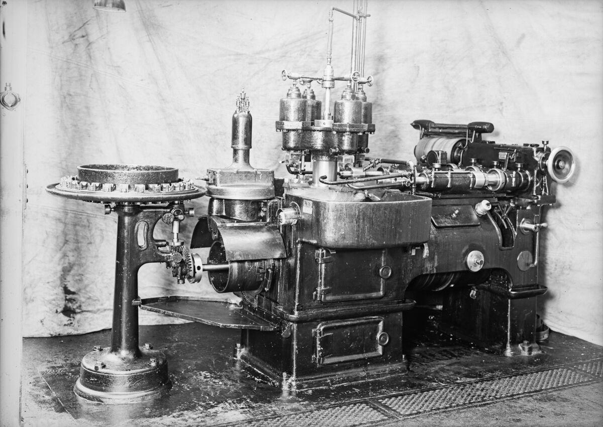 GFA 16/5961: Automatic thread-cutting machine