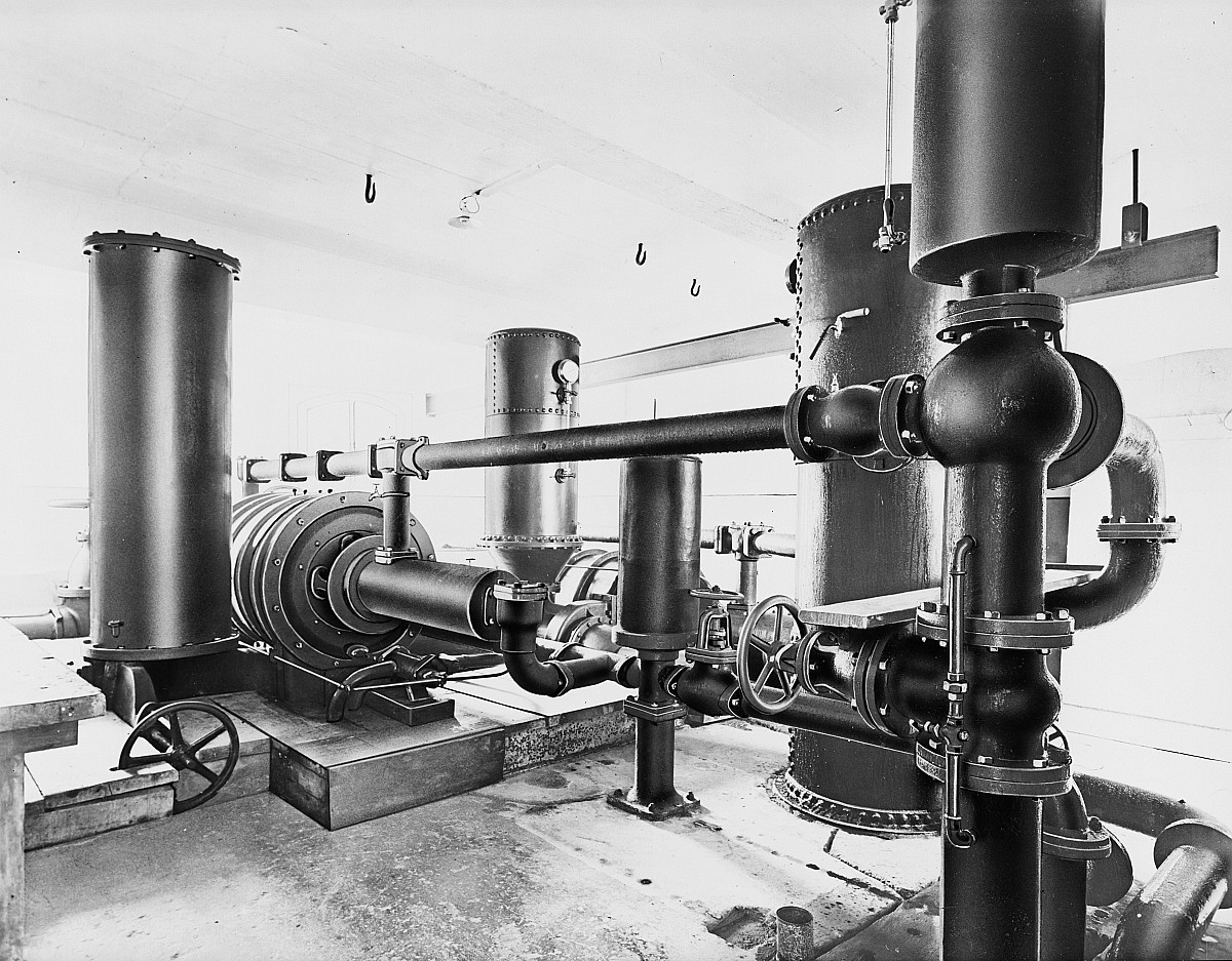 GFA 16/7683: Water column machine in the lower pump house at Rhine Falls
