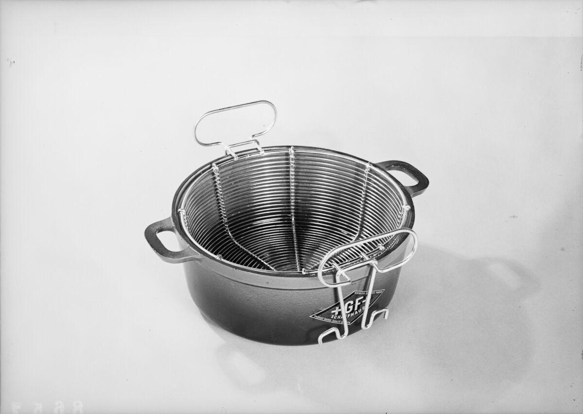 GFA 16/8657: Cookware