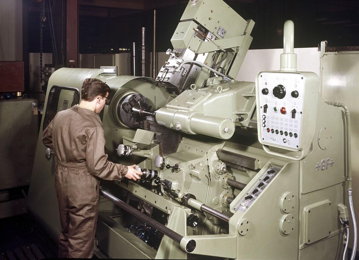 GFA 17/631882: Lathe operator apprentice working on GF copying lathe