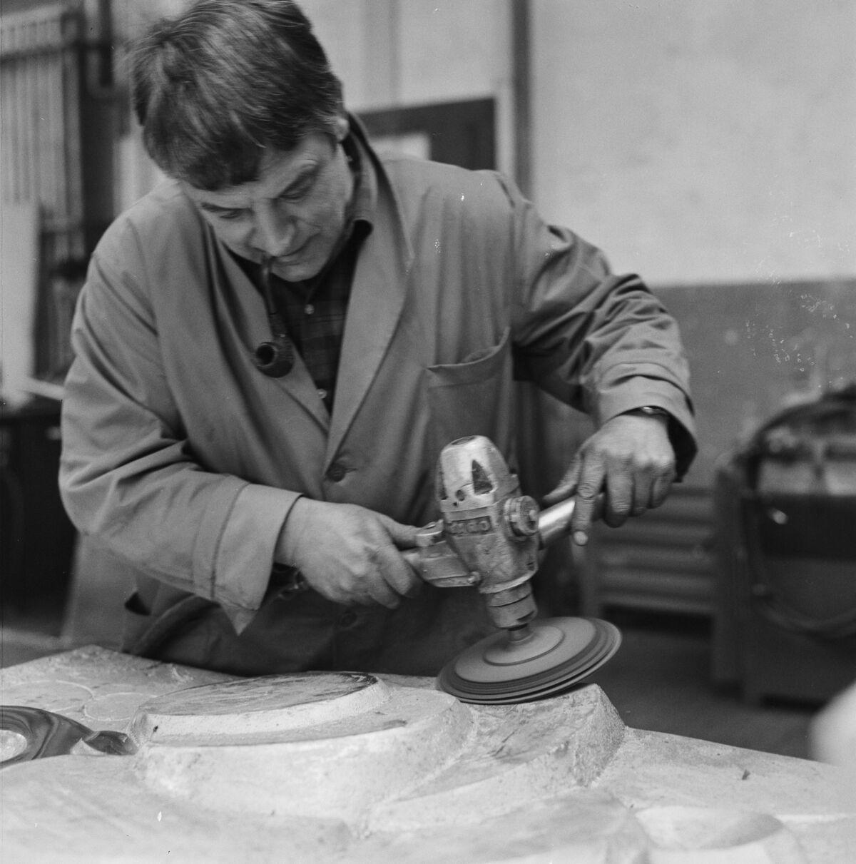GFA 17/690438.6: Reportage: Manufacture of an aluminium sculpture