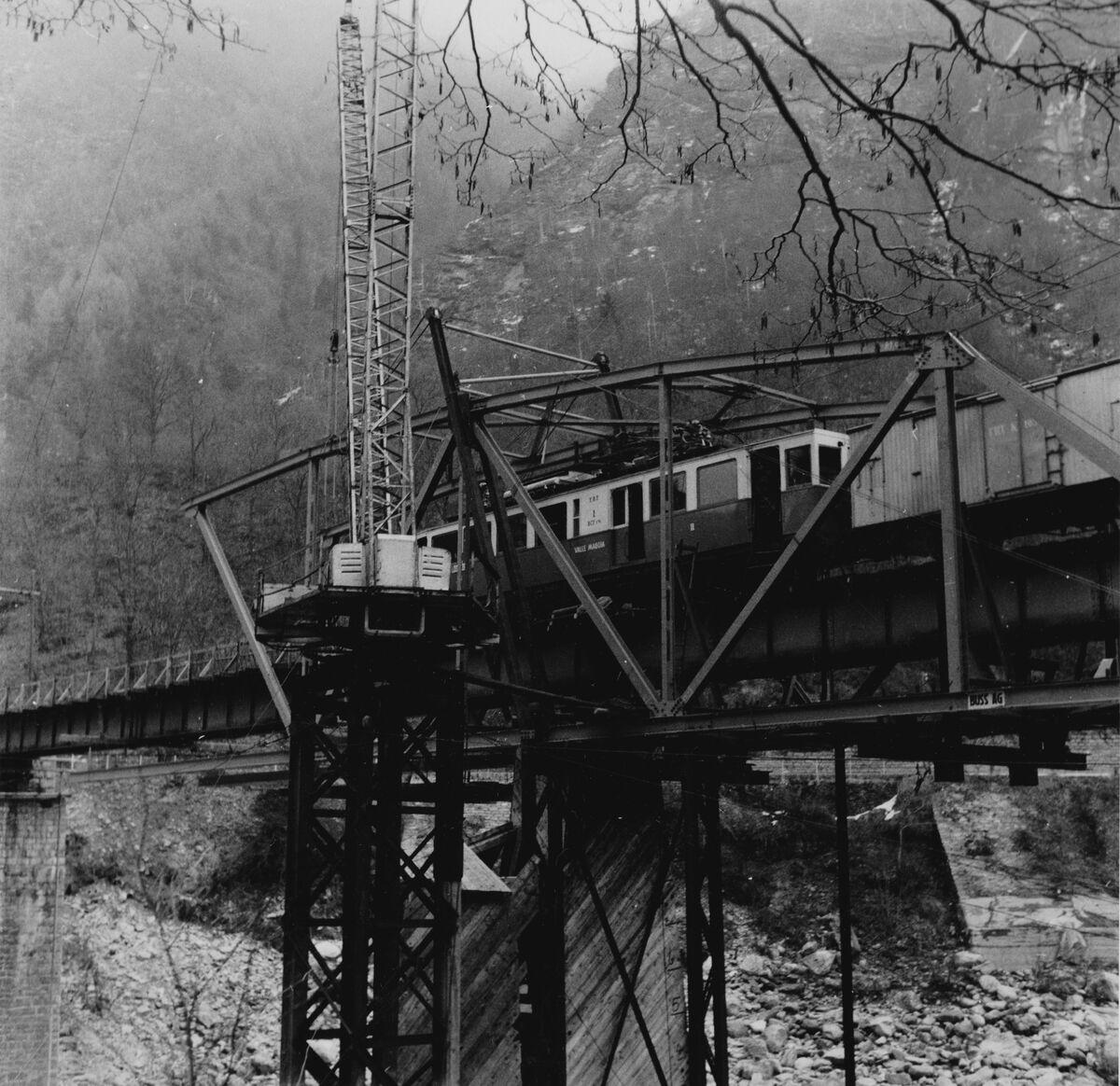 GFA 20/135.191: Stahl- und Brückenbau: Ponte Brolla Bahnbrücke Bauzustand...