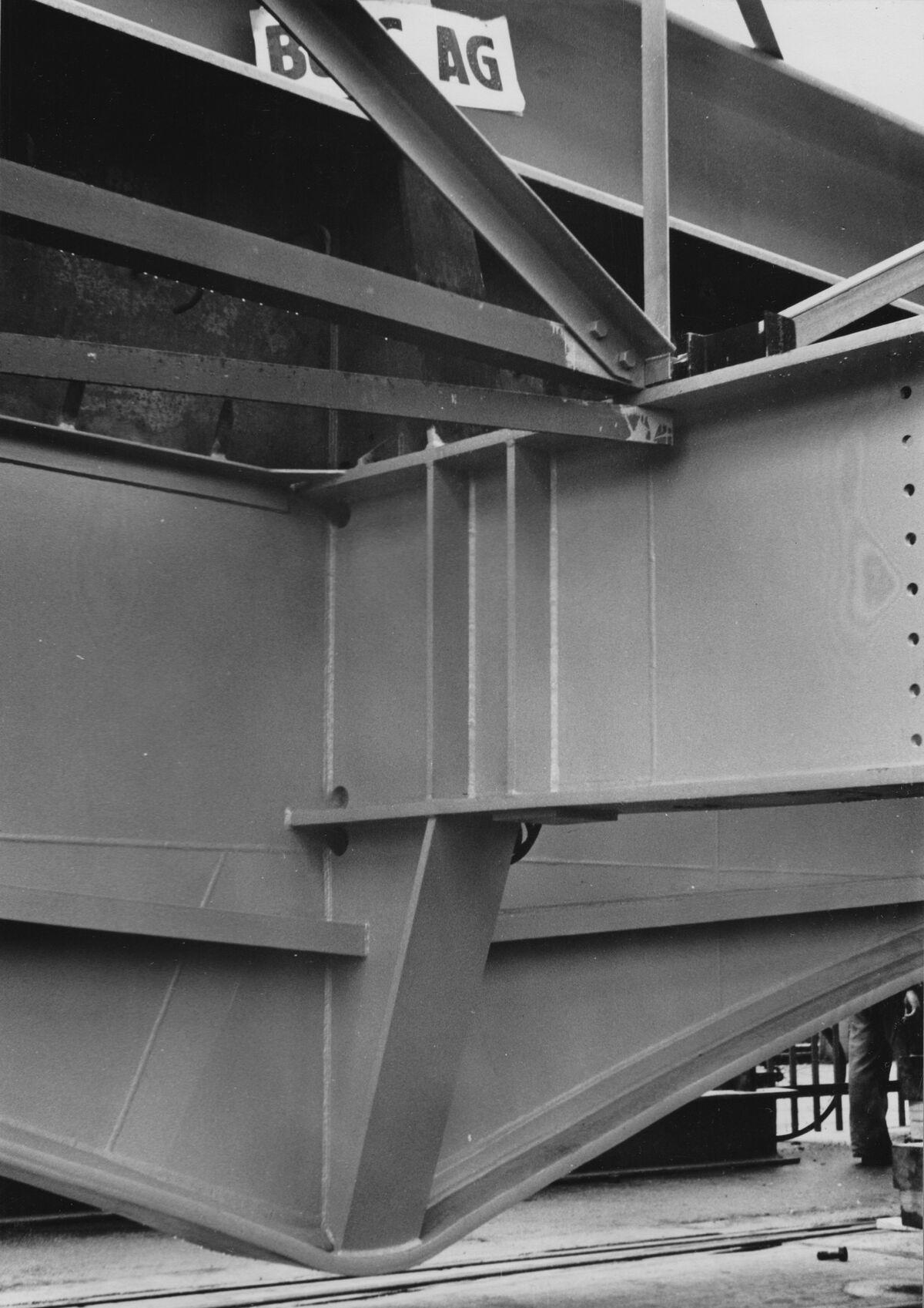 GFA 20/135.214: Stahl- und Brückenbau: Aarebrücke Wangen Querträger u. Pfosten