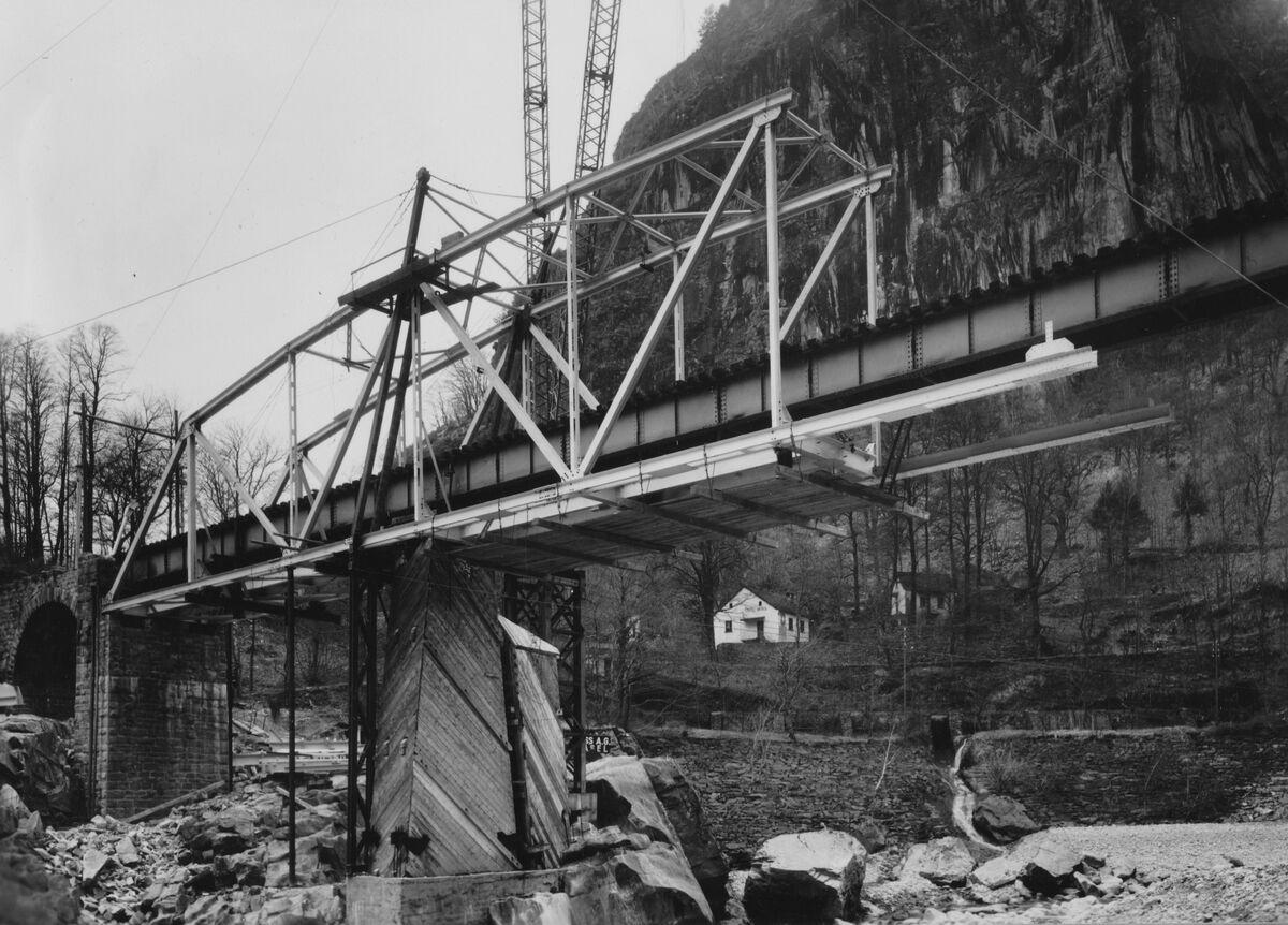 GFA 20/135.219: Stahl- und Brückenbau: Ponte Bolla in Montage