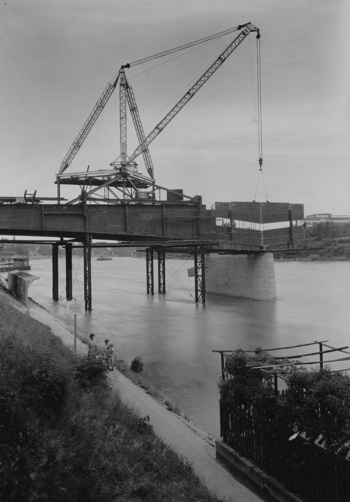 GFA 20/135.220: Stahl- und Brückenbau: St.Albanbrücke in Montage