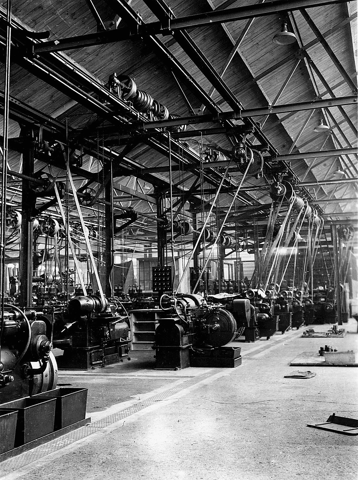 GFA 21/189.3: Images Bedford plant