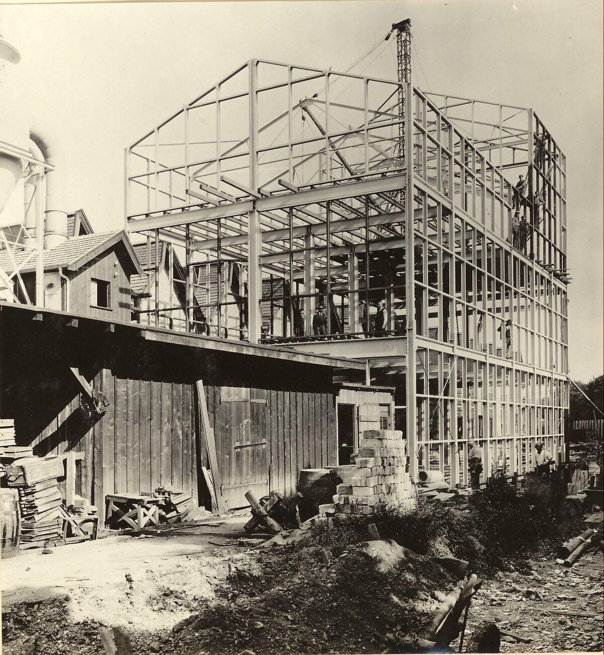 GFA 24/53.1120: Reconstruction sand shop