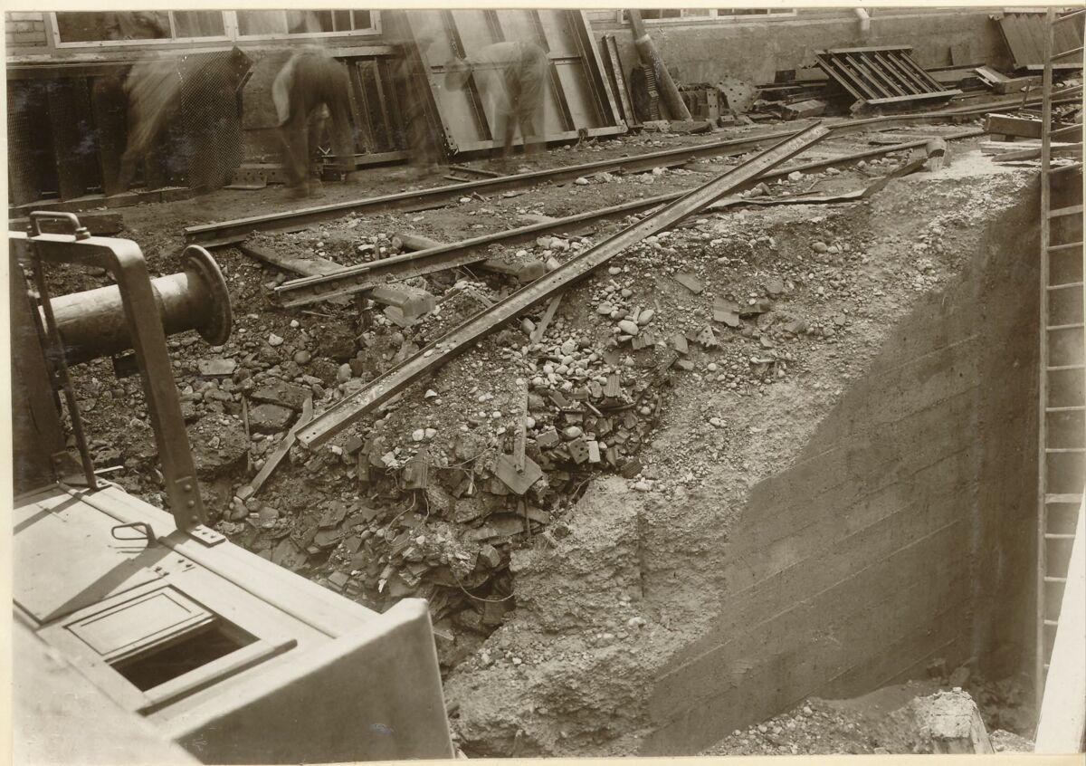 GFA 24/53.1128: Railway carriage accident