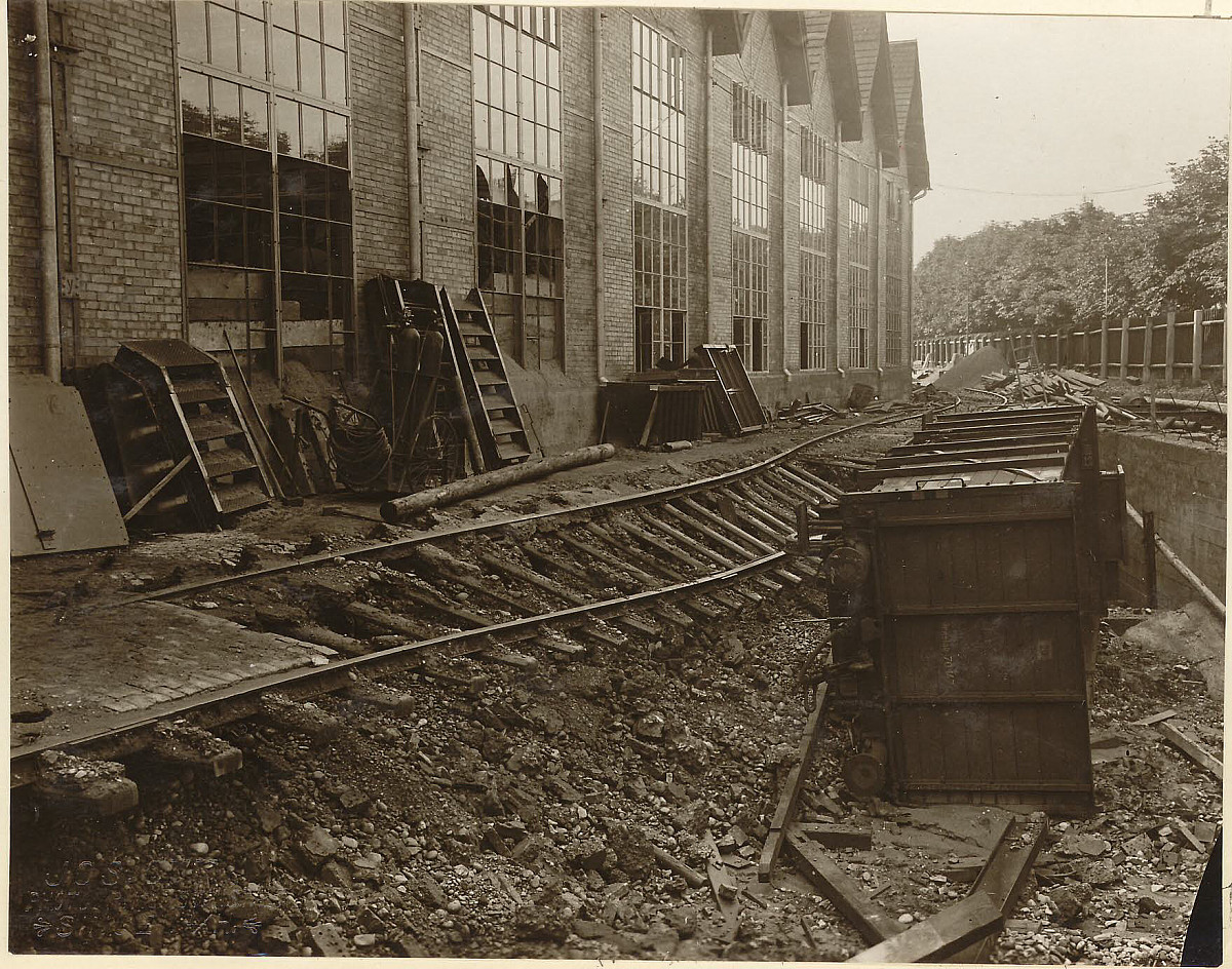 GFA 24/53.1130: Railway carriage accident