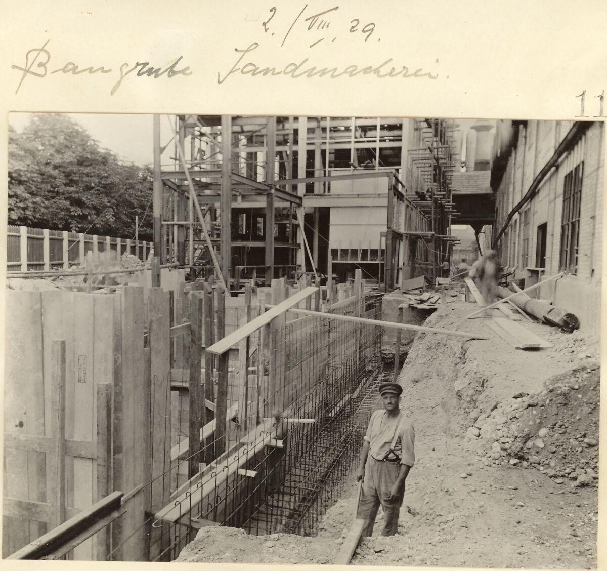 GFA 24/53.1132: Excavation pit sand shop